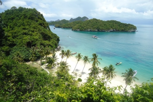 Angthong Marine Park by Wooden Boat