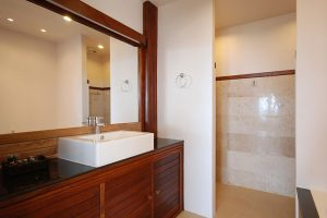 Sea View Corner Suites - Bathroom